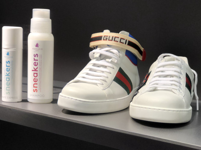 Gucci Sneakers mit dem Famaco Sneakers Shampoo und White Express