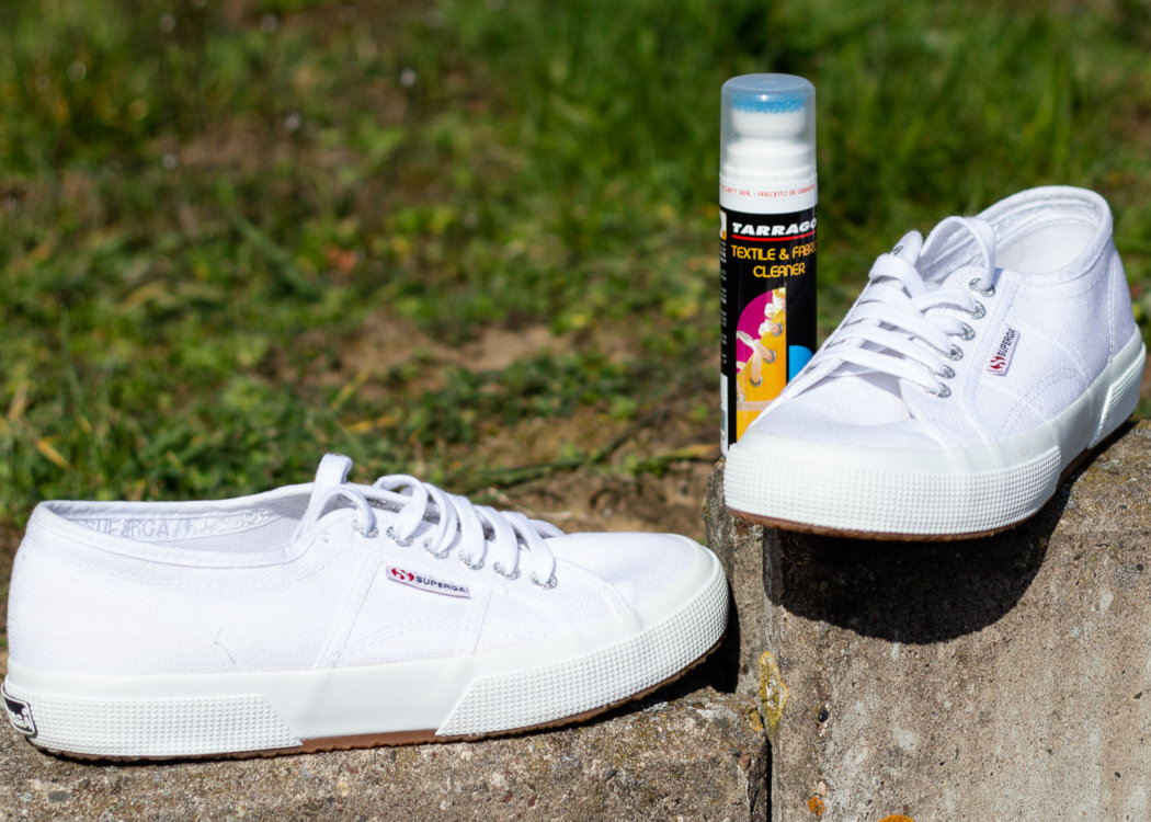 huge discount 9ec37 d563b Weiße Schuhe und ihre spezielle Pflege